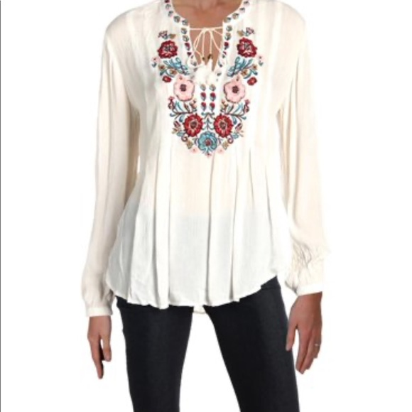 Vintage America Tops - Vintage America Embroidered White Top Sz Small